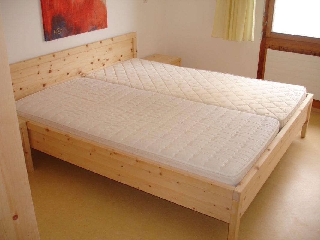 arvenm bel arvenholz massivholz arvenm bel camenisch. Black Bedroom Furniture Sets. Home Design Ideas
